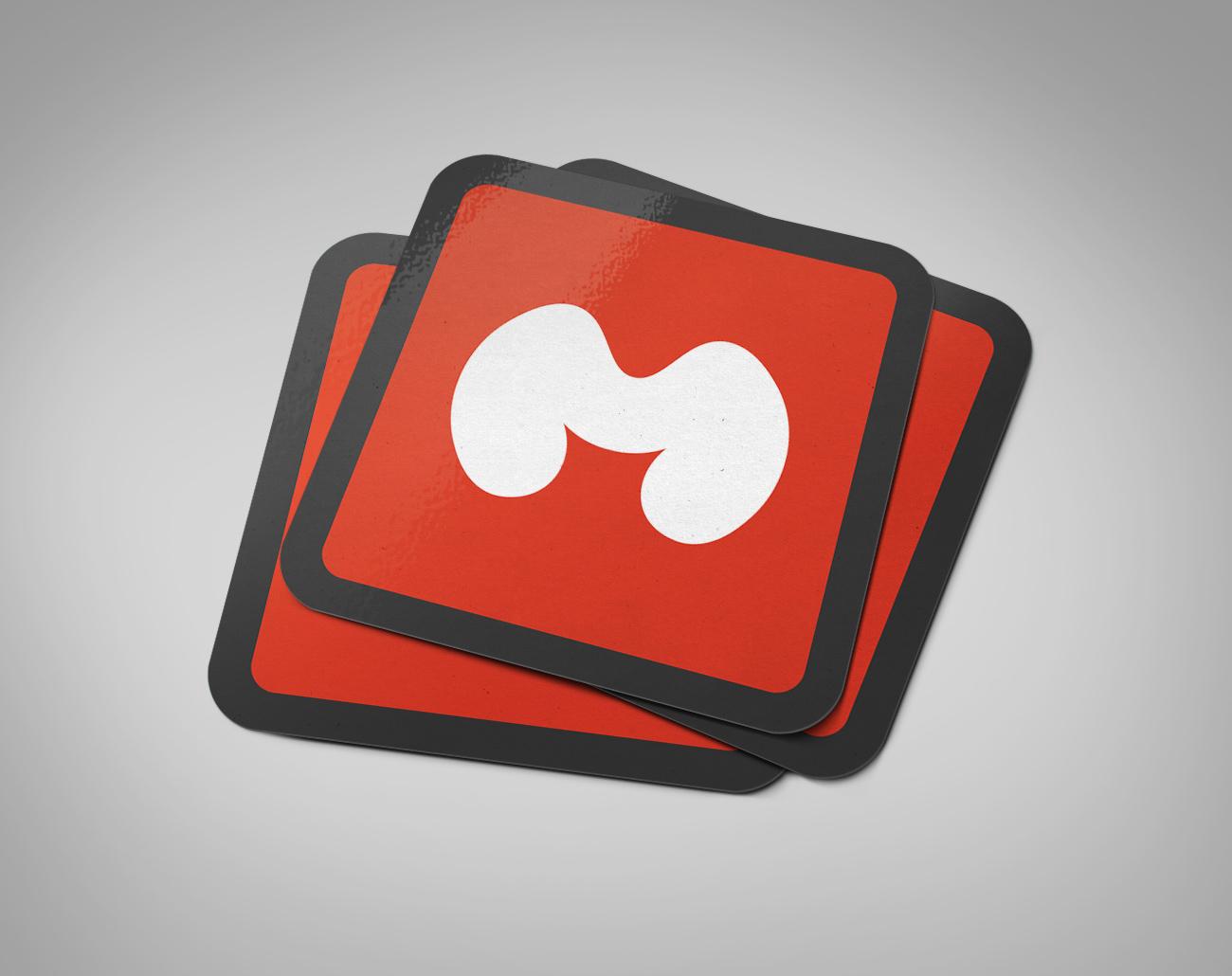 دانلود موکاپ کارت ویزیت مربع لمینت براق 1