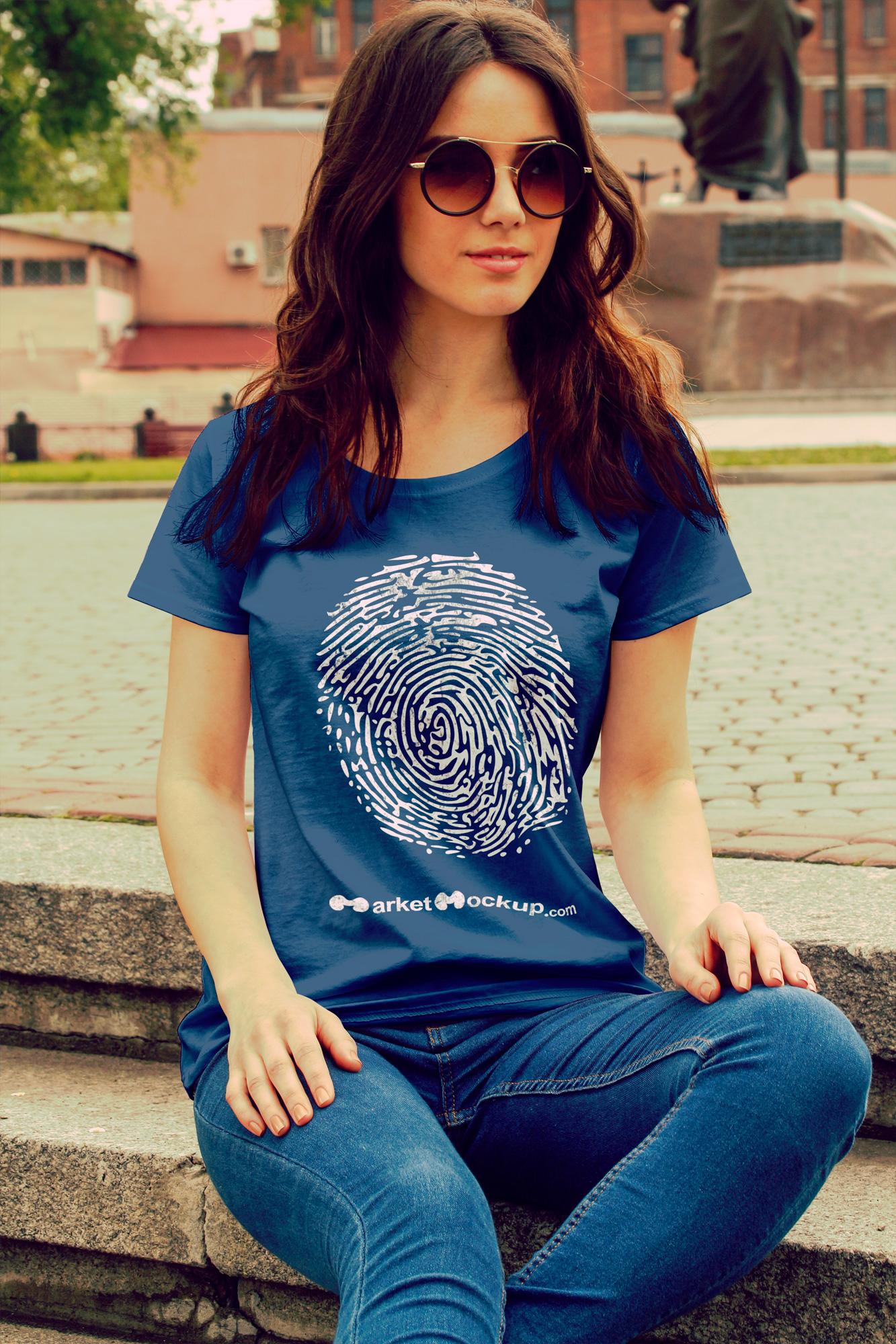 دانلود موکاپ تیشرت زنانه از روبرو