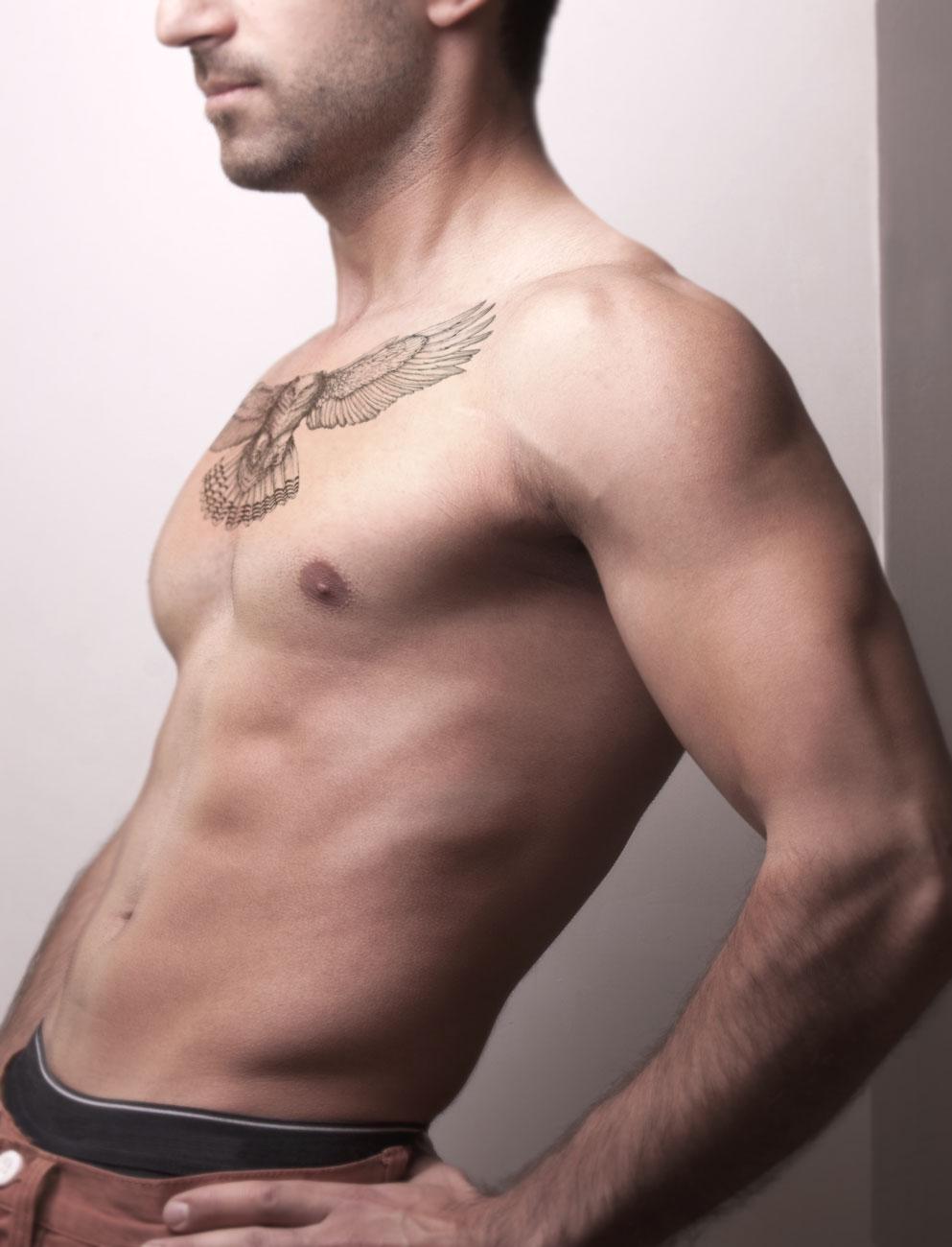 دانلود موکاپ تتو روی بدن مرد مدل 3
