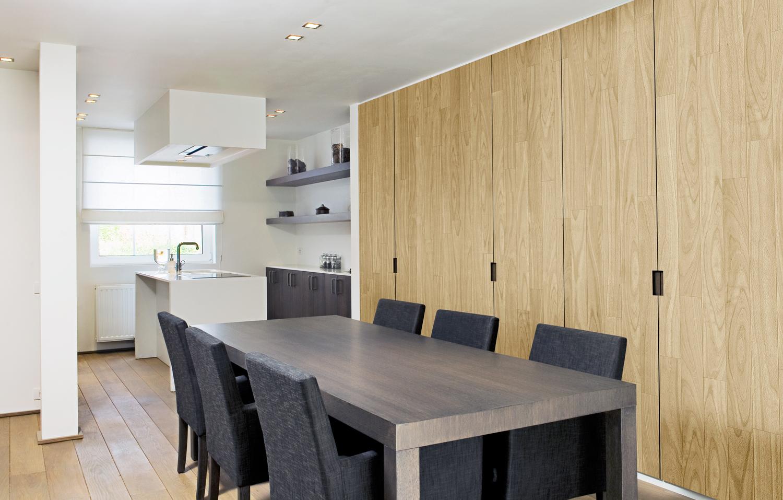 موکاپ کمد دیواری در دیزاین آشپزخانه