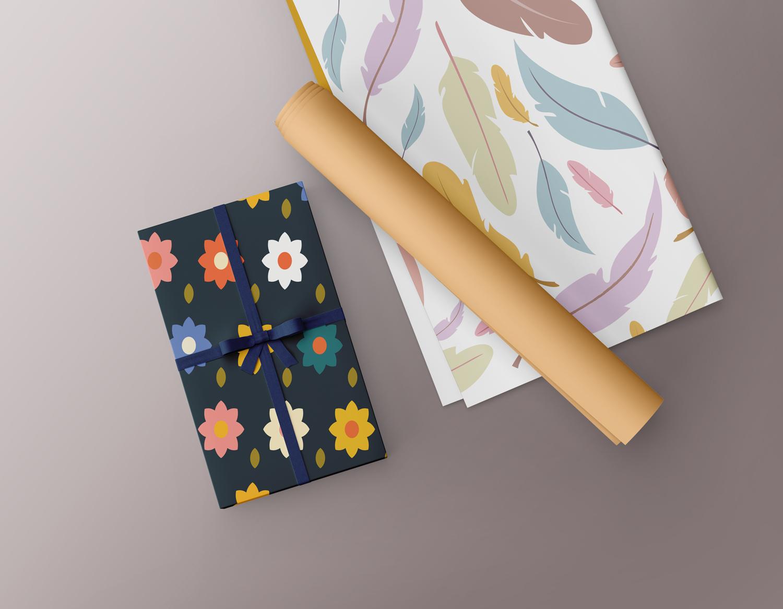 موکاپ کاغذ کادو جعبه بسته بندی شده